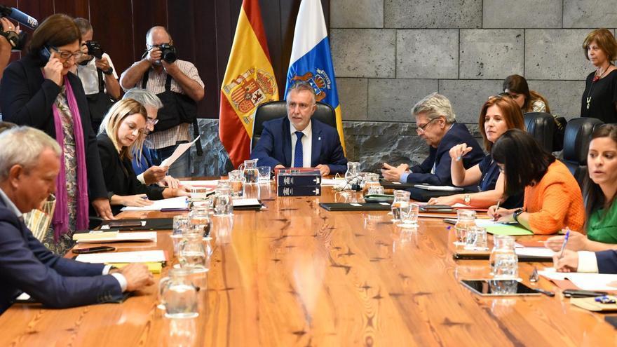 Reunión del nuevo Gobierno de Canarias