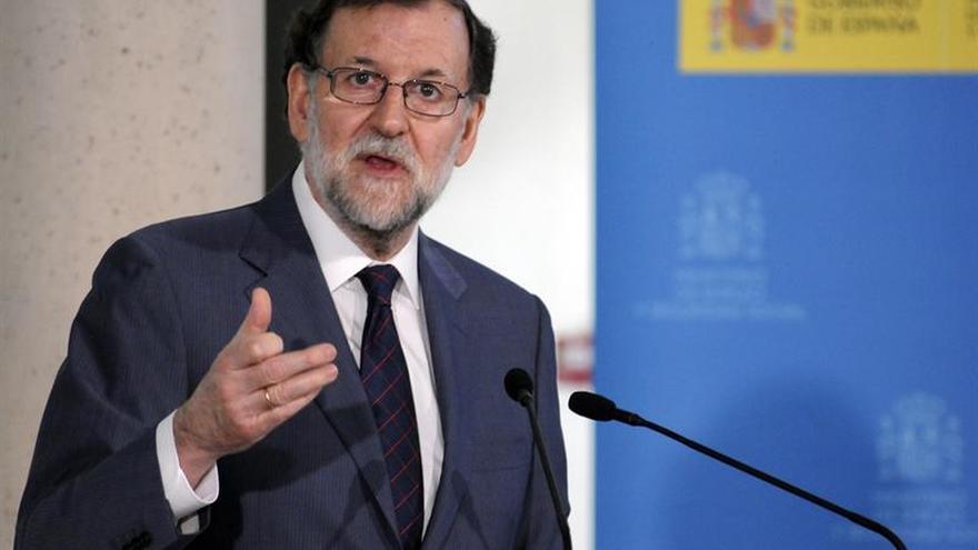 Rajoy evita comentar la dimisión del presidente de Murcia