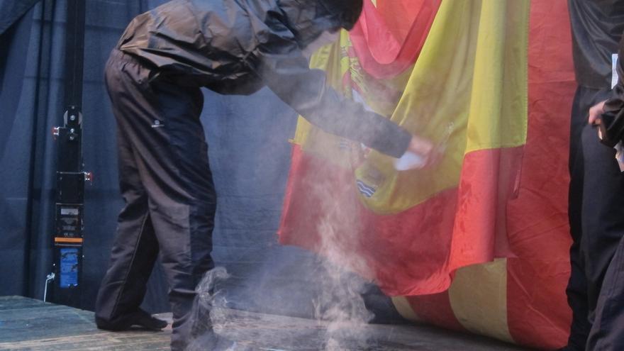 PP, PSOE y Ciudadanos tumban la propuesta de ERC para despenalizar las injurias a la Corona y la quema de banderas