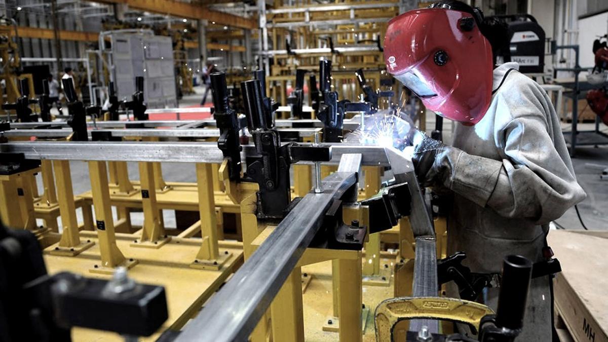 En octubre, 11 de los 16 rubros de la industria manufacturera sufrieron caídas interanuales.