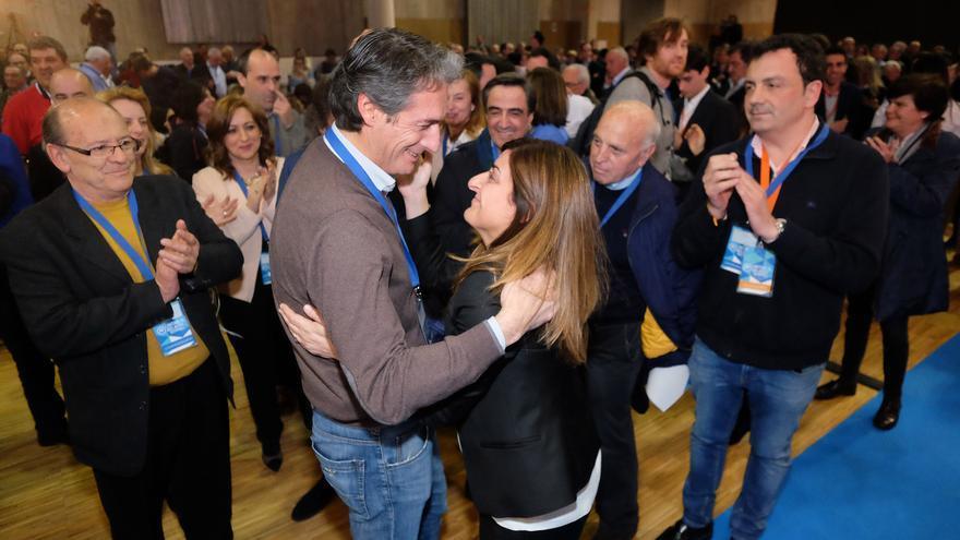 María José Sáenz de Buruaga en el Congreso Regional del PP de Cantabria.