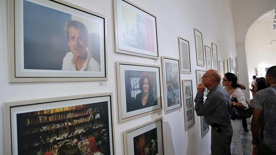 "Héctor Garrido retrata en ""Cuba Iluminada"" los rostros de la cultura cubana"