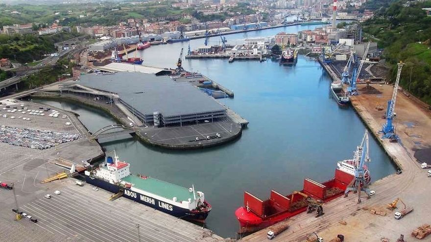 Fomento remitirá a la Comisión Bilateral de Asuntos Territoriales la petición de desclasificación del puerto de Pasaia