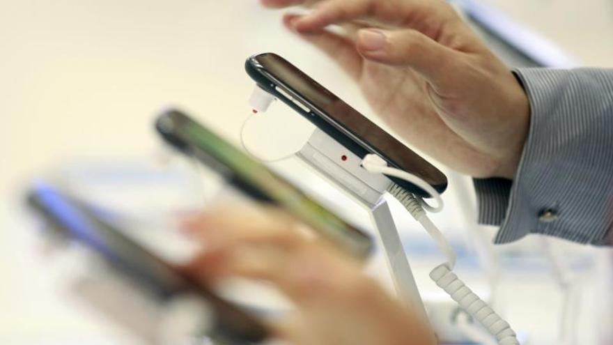 Los teléfonos móviles deberán ser compatibles con un cargador común en la UE
