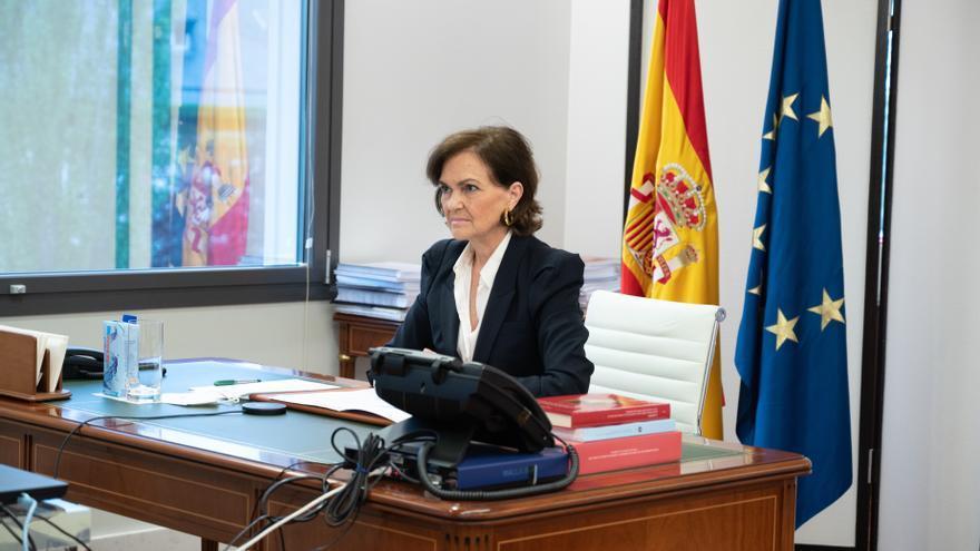 La vicepresidenta segunda del Gobierno y ministra de Presidencia, Relaciones con las Cortes y Memoria Democrática, Carmen Calvo, durante su intervención en el seminario 'La Comisión de Venecia y España: una herencia compartida'.