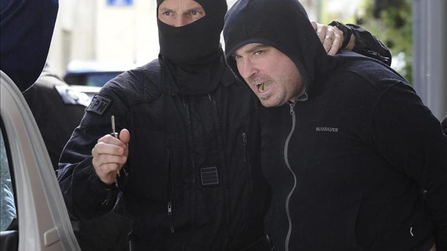 Trasladados a París los 6 presuntos etarras detenidos este martes en Francia