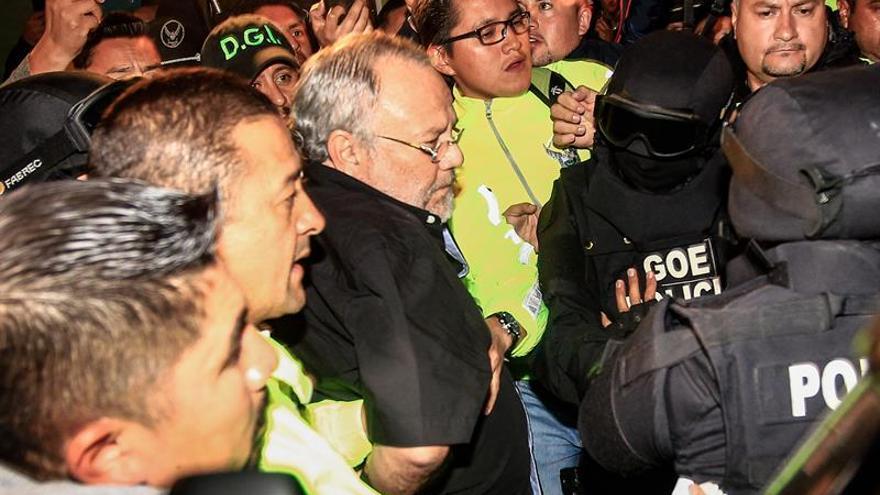 """Exministro dice que su regreso a Ecuador fue """"voluntario"""" y sin condiciones"""