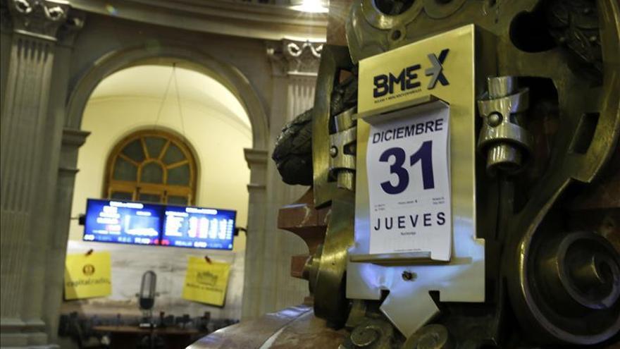 La bolsa española baja el 0,67 por ciento a mediodía