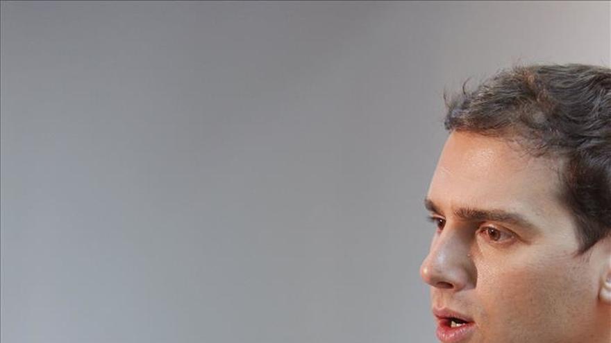 Rivera: C's medita si votar la moción y espera otros partidos hagan lo mismo