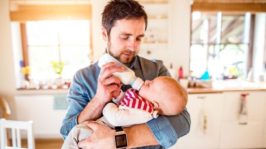 La Seguridad Social destinó 1.393 millones a prestaciones de maternidad y paternidad hasta septiembre