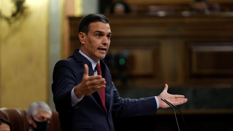Sánchez pide a Casado que retire su comentario sobre los bandos de la Guerra