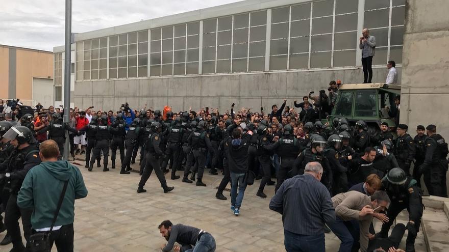 Cargas de la Guardia Civil en Sant Julià de Ramis (Girona)