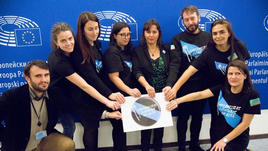 Representantes de Enfermeiras Eventuais en Loita, junto a Ana Miranda en el Parlamento Europeo