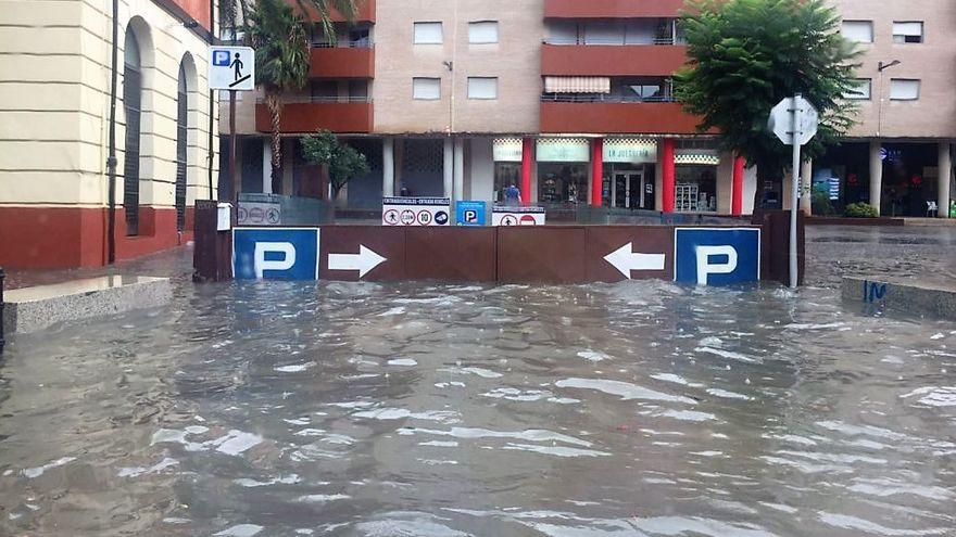 El acceso al parking La Via, en Dénia