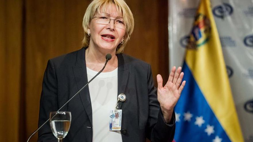"""La Fiscal dice que cambiar la Constitución """"aceleraría la crisis"""" en Venezuela"""