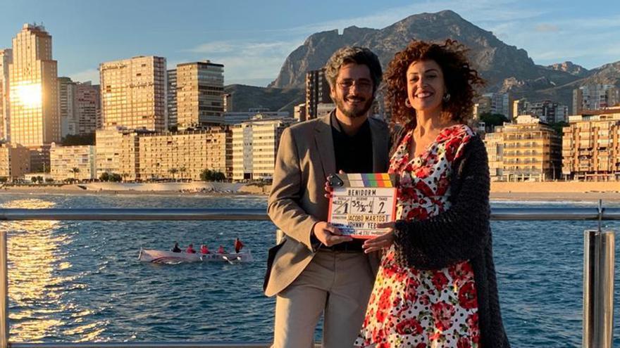 Antonio Pagudo y María Almudéver en el rodaje de 'Benidorm'