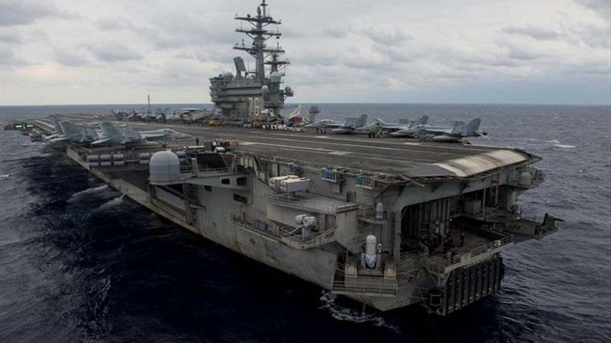 Un avión militar de EEUU cae al mar con 11 personas a bordo
