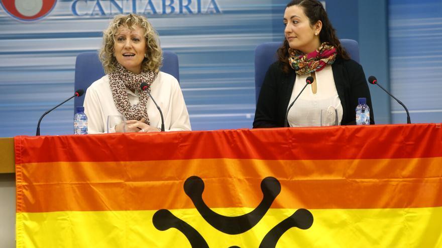 La vicepresidenta de Cantabria, Eva Díaz Tezanos (PSOE), junto a Kiara Bambrilla (ALEGA).   LARA REVILLA