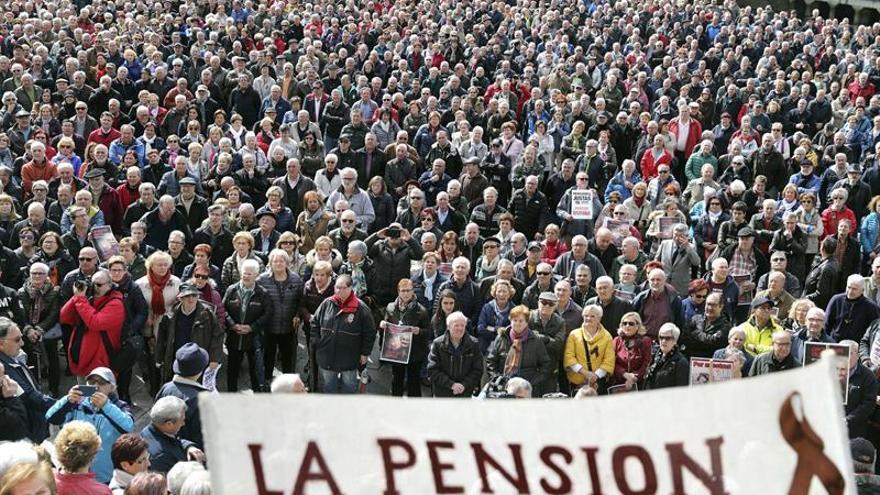 Imagen de archivo de pensionistas durante una concentración en Bilbao el pasado lunes.