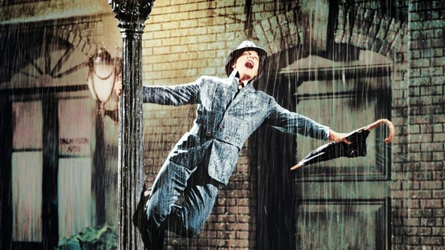 A favor y en contra de 'Cantando bajo la lluvia', de Stanley Donen y Gene Kelly