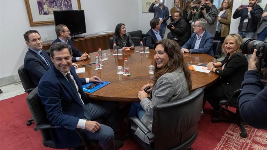 Comienza la reunión entre el PP y Cs para buscar un acuerdo en Andalucía