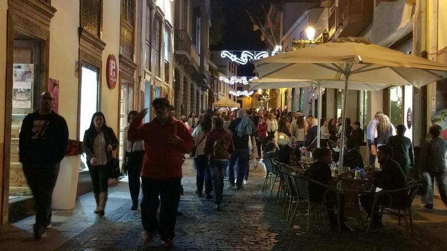 Las calles céntricas se llenaron de peatones. Foto: LUZ RODRÍGUEZ.
