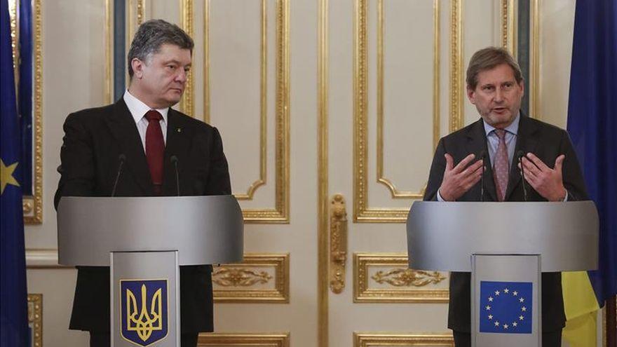 Poroshenko afirma que no tenía más salida que pedir una fuerza de paz