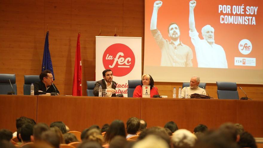 Fernando Harto de Vera, Alberto Garzón, Marga Ferré y Julio Anguita, en la conferencia en la Universidad Complutense de Madrid.