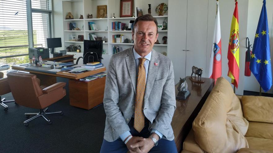 Guillermo Blanco en su despacho de la Consejería | B.S.A.