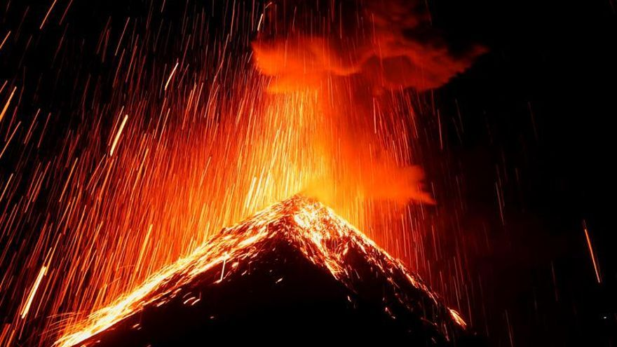 N. Zelanda recuerda en silencio a víctimas de la erupción del volcán Whakaari
