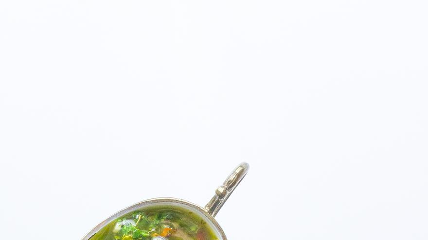 La salsa chimichurri ya montada