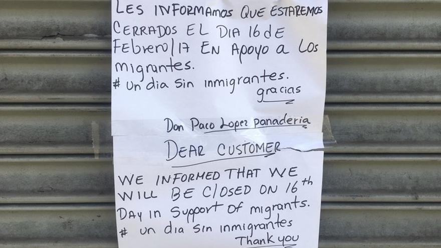 """Anuncio de cierre de un establecimiento en febrero por motivo de la celebración de """"Un día sin inmigrantes"""""""
