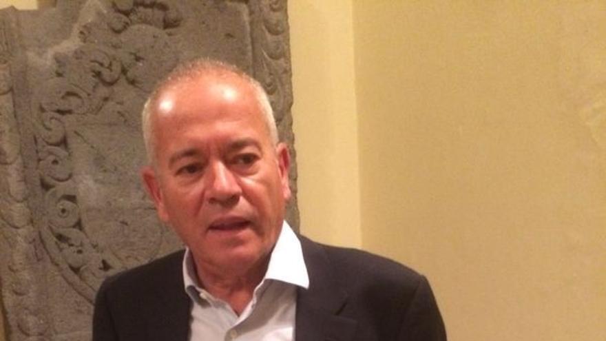 Normando Moreno, abogado especialista en temas urbanísticos y del territorio, presentó este jueves en El Museo Canario su obra sobre la 'Conquista' de Gran Canaria, desde la perspectiva del derecho.