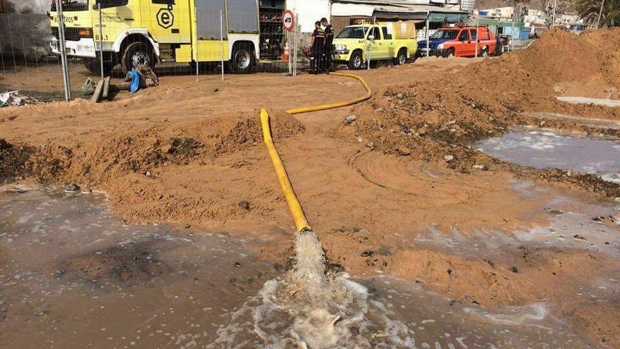 Viviendas inundadas en Anfi Tauro