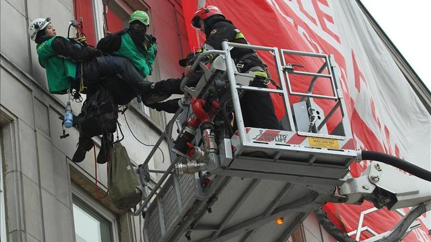 Greenpeace protestó en Varsovia contra poderosa industria del carbón polaca