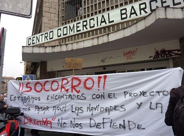 Protesta llevada a cabo el pasado jueves a las puertas del mercado | Foto: A.P.