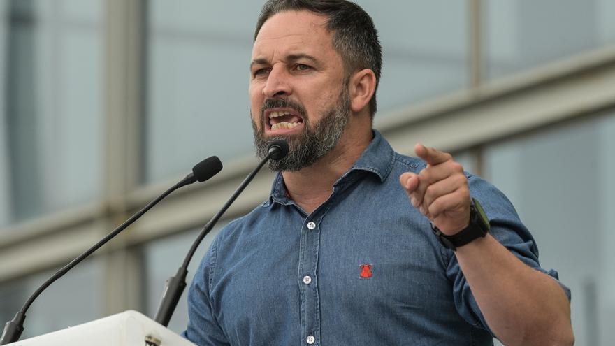 Abascal cierra la campaña en Vitoria en otro mitin con altercados y mirando a España