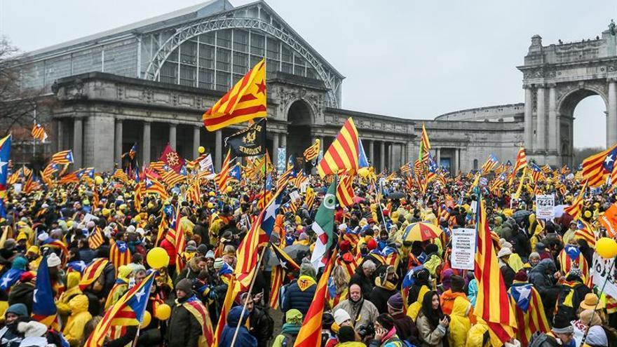 Cientos de personas empiezan a llegar para la marcha independentista en Bruselas