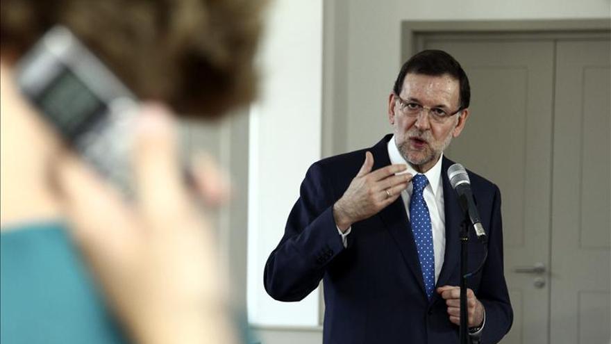 Rajoy garantiza a grandes empresarios la estabilidad y no ceder a chantajes
