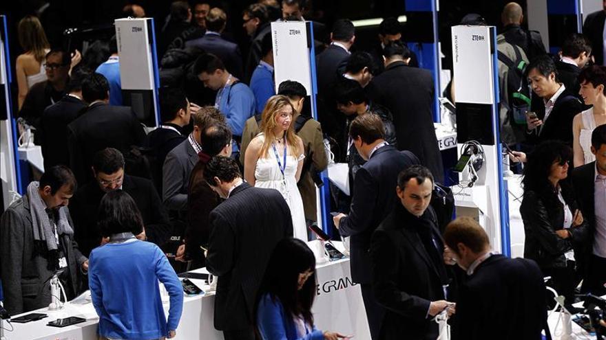 Imagen de archivo: Vista del stand de la compañia china ZTE en el Mobile World Congress.