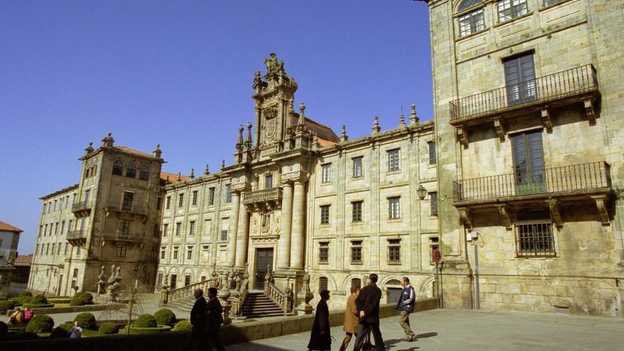 Parte del complejo de San Martiño Pinario es, sobre el papel, un edificio de oficinas