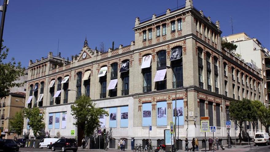 """Los """"marcianos"""" aterrizan en la terraza de la Casa Encendida (Madrid) durante el verano"""