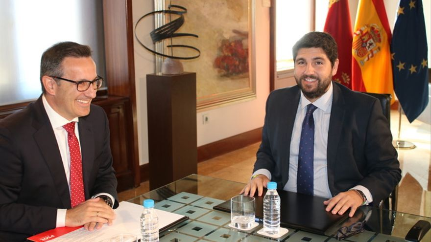 Diego Conesa junto a Fernando López Miras