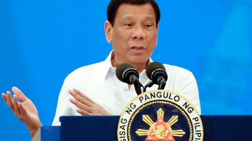 """Duterte llama """"locos"""" a diputados europeos por condenar su guerra antidroga"""