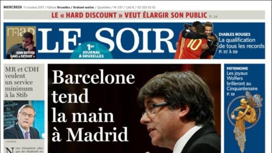"""Portada del diario Le Soir: """"Barcelona tiende la mano a Madrid"""""""