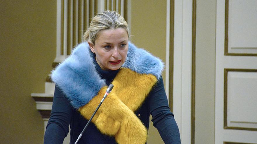 Nayra Alemán en el Parlamento de Canarias
