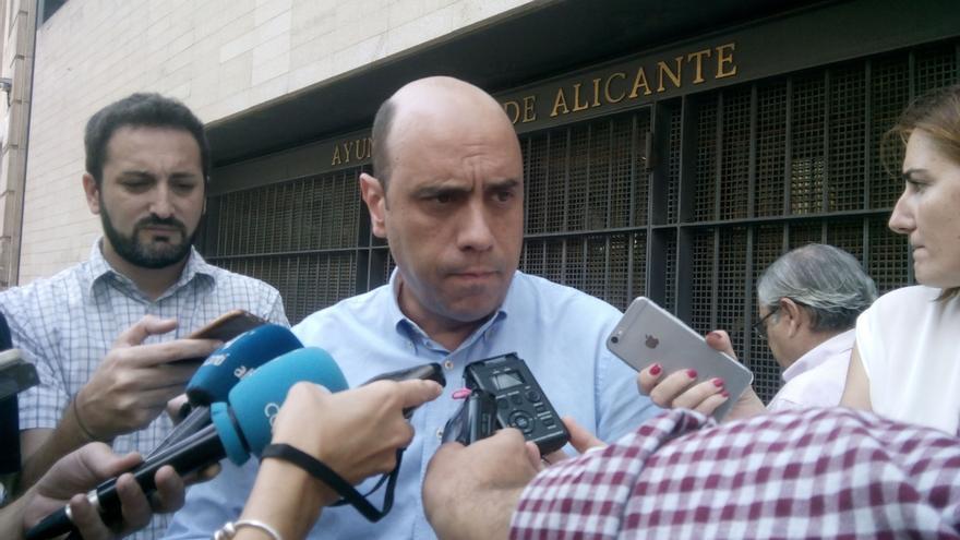 """Alcalde Alicante: """"ningún socialista"""" votó en las elecciones para dar el Gobierno al PP"""