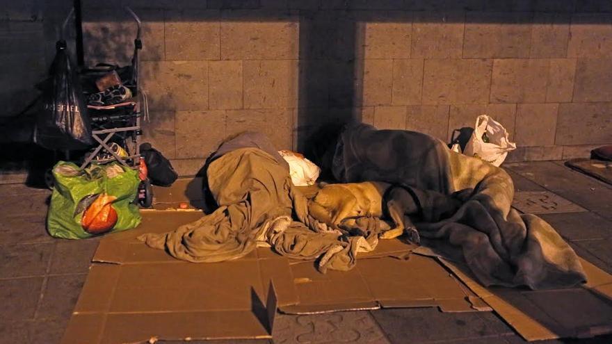 Personas sin hogar en Las Palmas de Gran Canaria. (ALEJANDRO RAMOS)