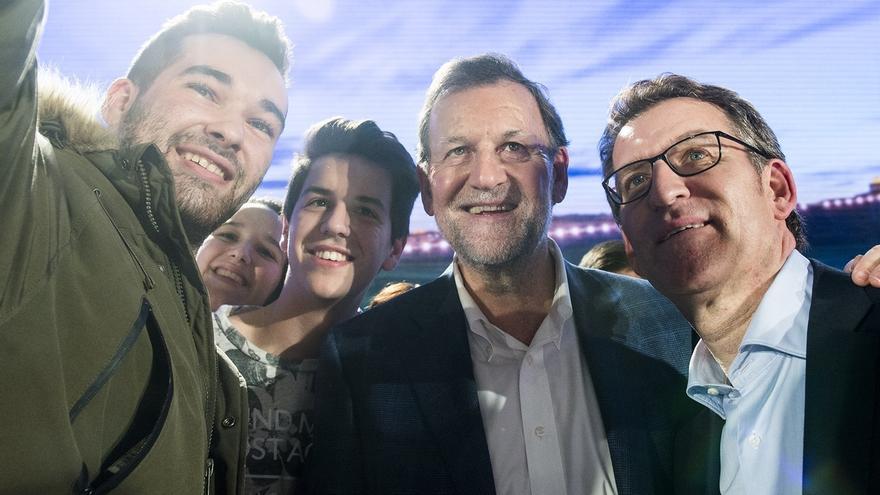 """Rajoy recrimina a sus rivales políticos que """"pinten una España negra y oscura"""" por """"razones partidistas"""""""