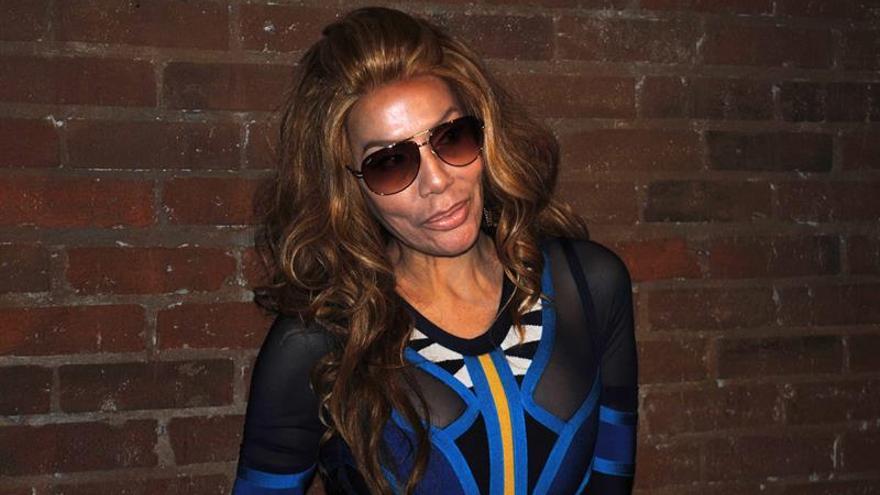 La cantante Ivy Queen vestirá los diseños de una estudiante colombiana durante un concierto